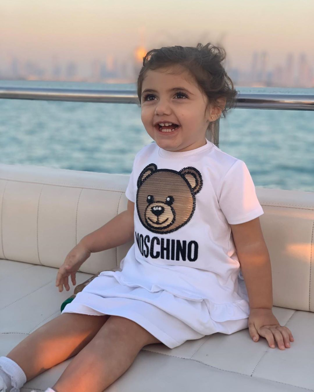 57 3 K Mentions J Aime 565 Commentaires Mila Marwah ميلا مروة Milamarwah Sur Instagram رفقاتي الحلوين Hair Color Pink I Love You Signs Baby Onesies