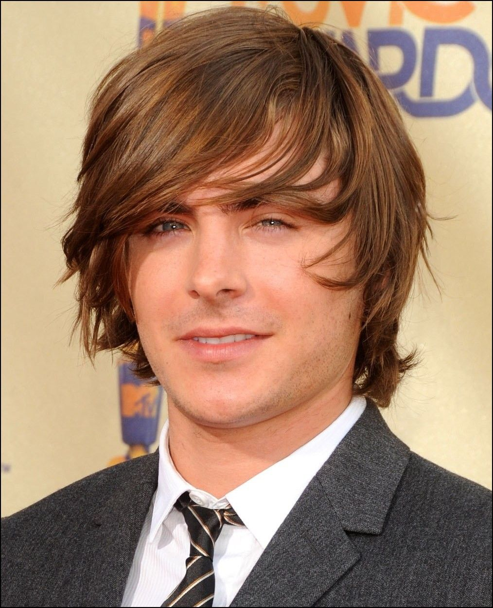 Good Haircuts For Guys With Long Hair Hairstyles Ideas Pinterest