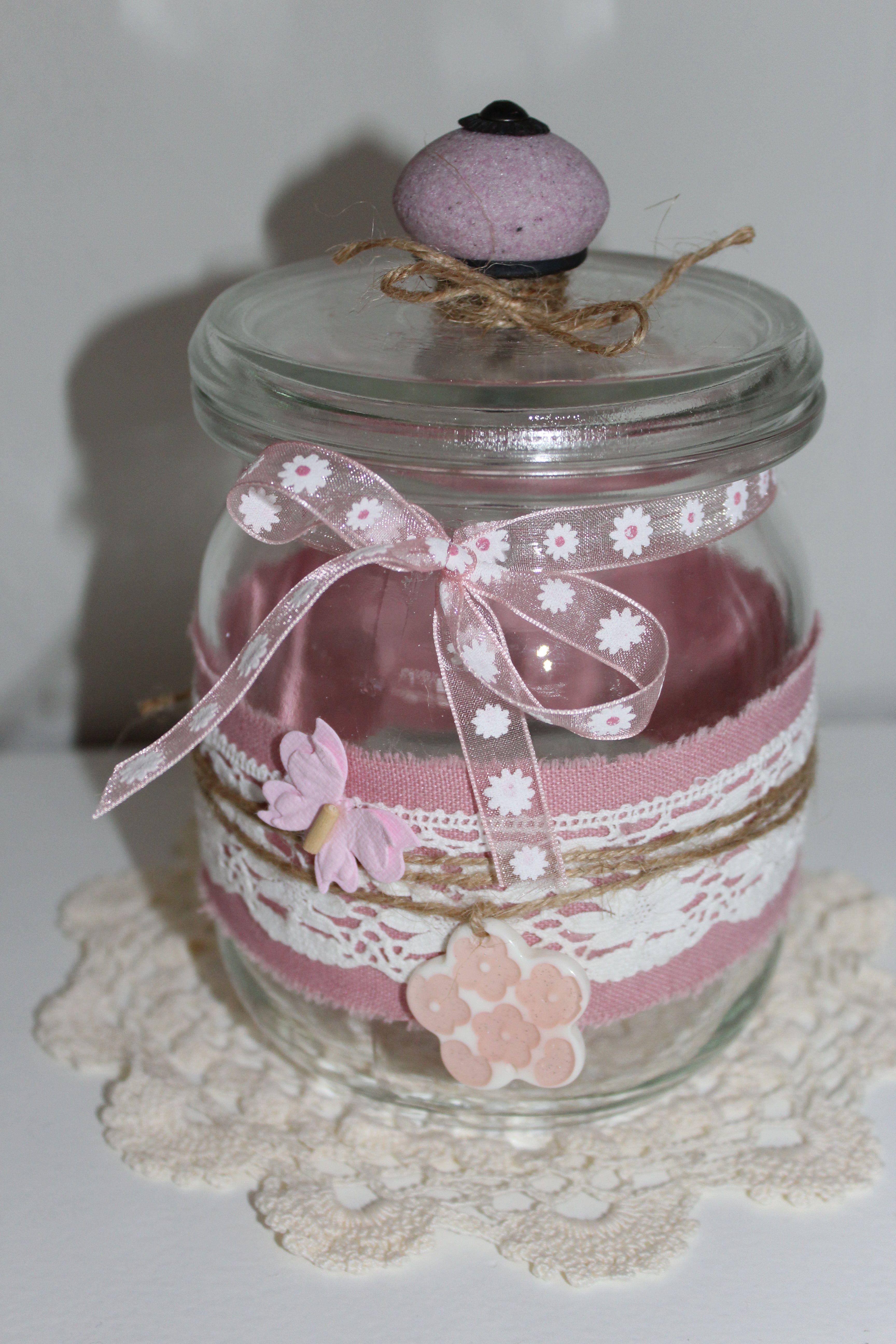 Deko- oder Aufbewahrungsglas aus alten Einmachgläser. Sehr schön zum
