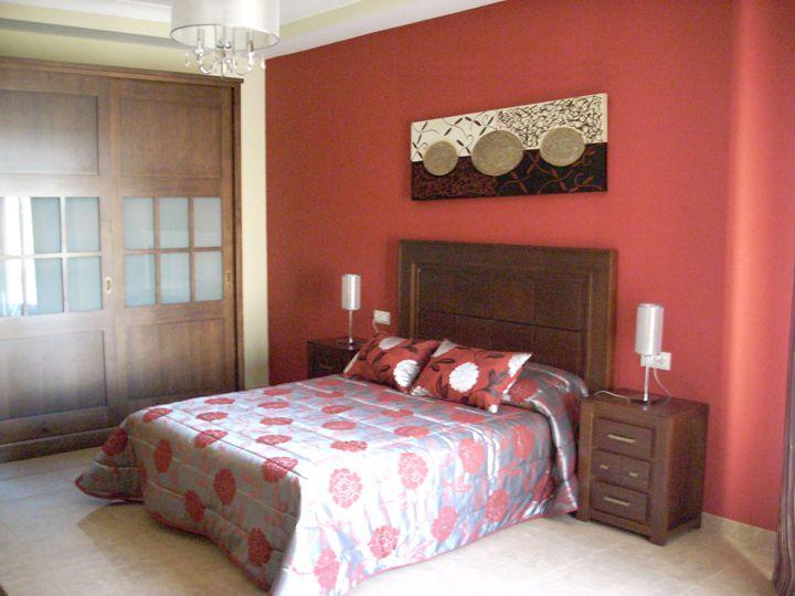 Colores para pintar dormitorio matrimonio dise o de - Pintar pared dormitorio ...