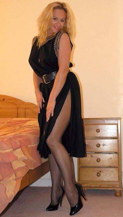 Dressed And Sexy I Love It Strumpfhose Reife Frau Und Frau