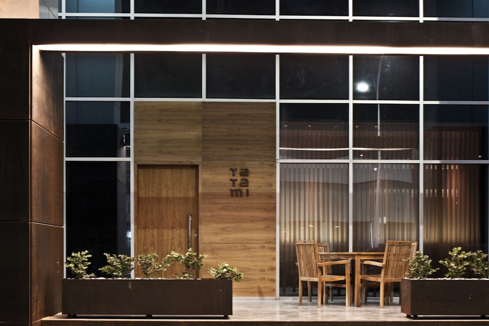 Tatami japanese restaurant jassim alshehab restaurants for Japanese exterior design