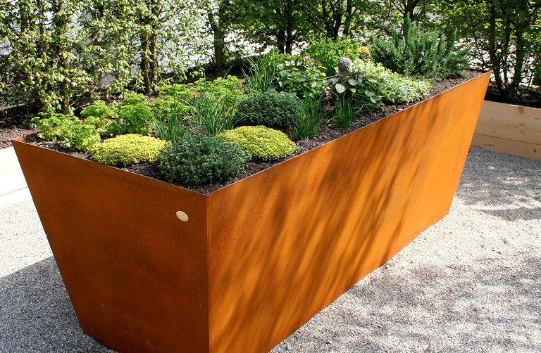 Hochbeet: Tipps zum Selberbauen und Anlegen | Hochbeet gärten ...