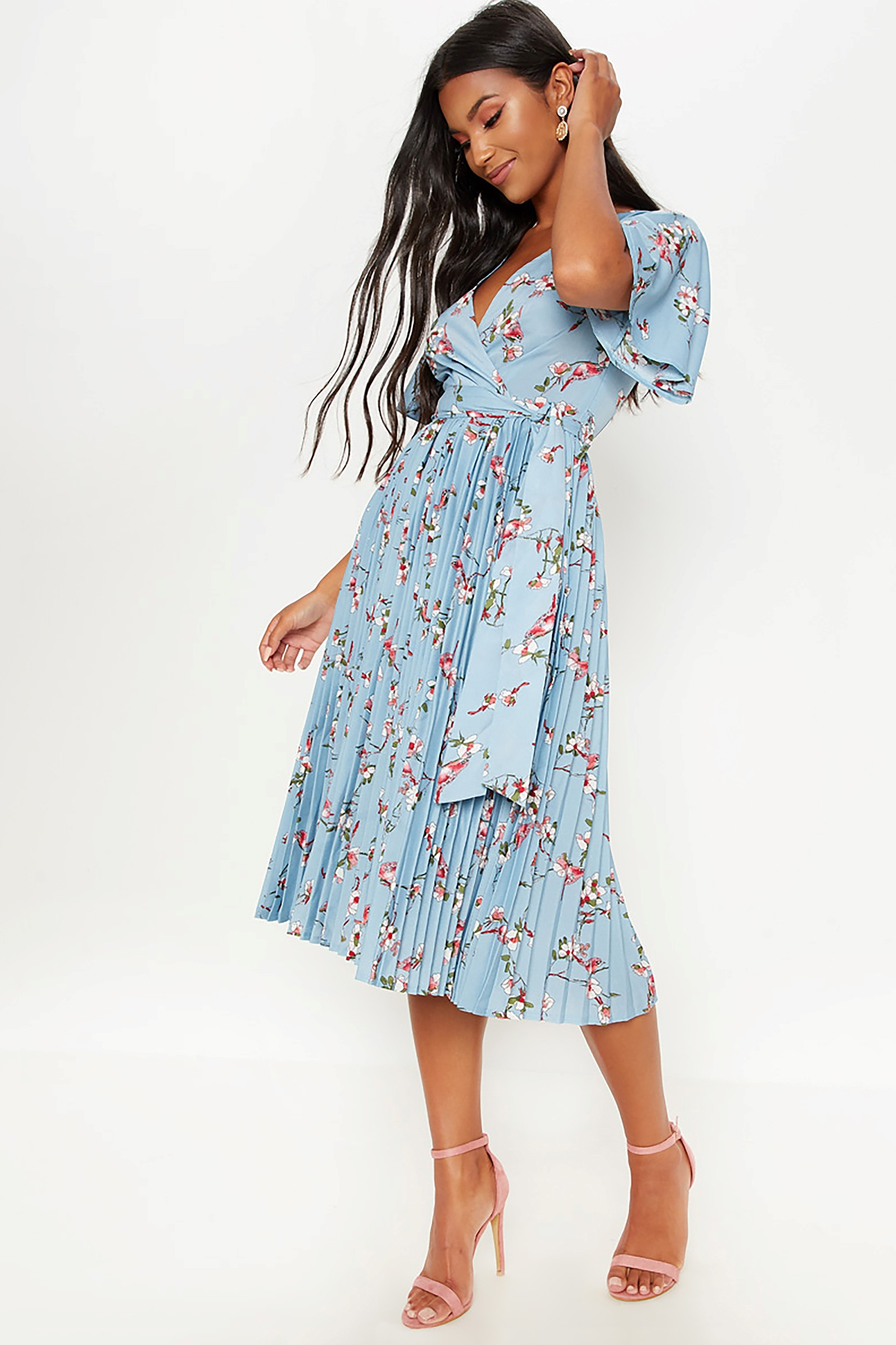 Womens Prettylittlething Floral Pleated Midi Dress Blue Pleated Midi Dress Wedding Outfits For Women Maxi Gown Dress [ jpg ]