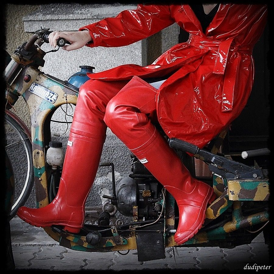 8c42ab459ac016 Red rubber thigh boots waders