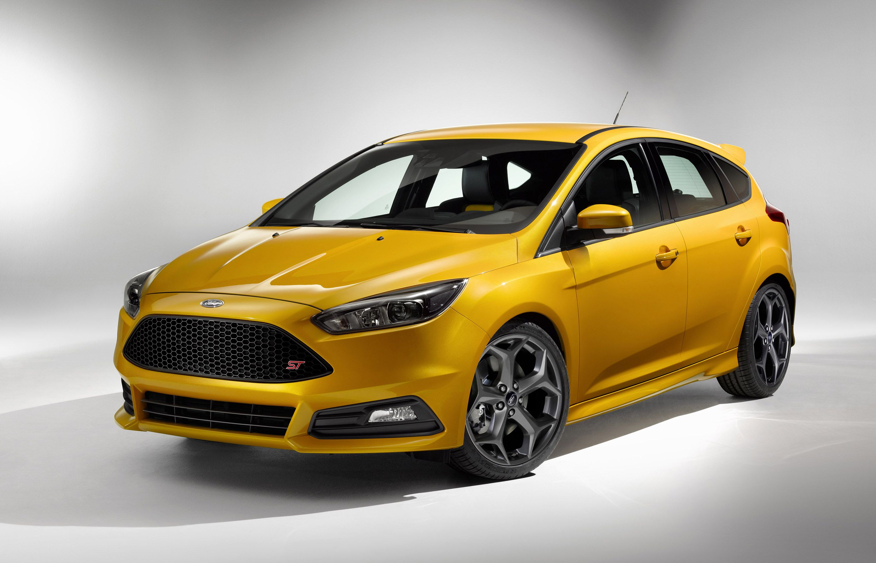 Ford unveiled the 2015 ford focus st at the goodwood festival of speed in the united kingdom the focus st has been redesigned to look more sportier and
