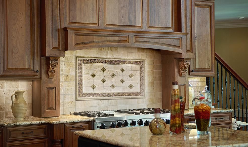 Beautiful backsplash using Marazzi Timeless Collection field tile - küchen spritzschutz glas