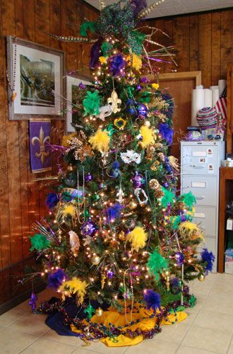 Mardi Gras tree...I now have enough tree ideas to not need to take it down  after christmas ever again :) - Mardi Gras Tree...I Now Have Enough Tree Ideas To Not Need To Take