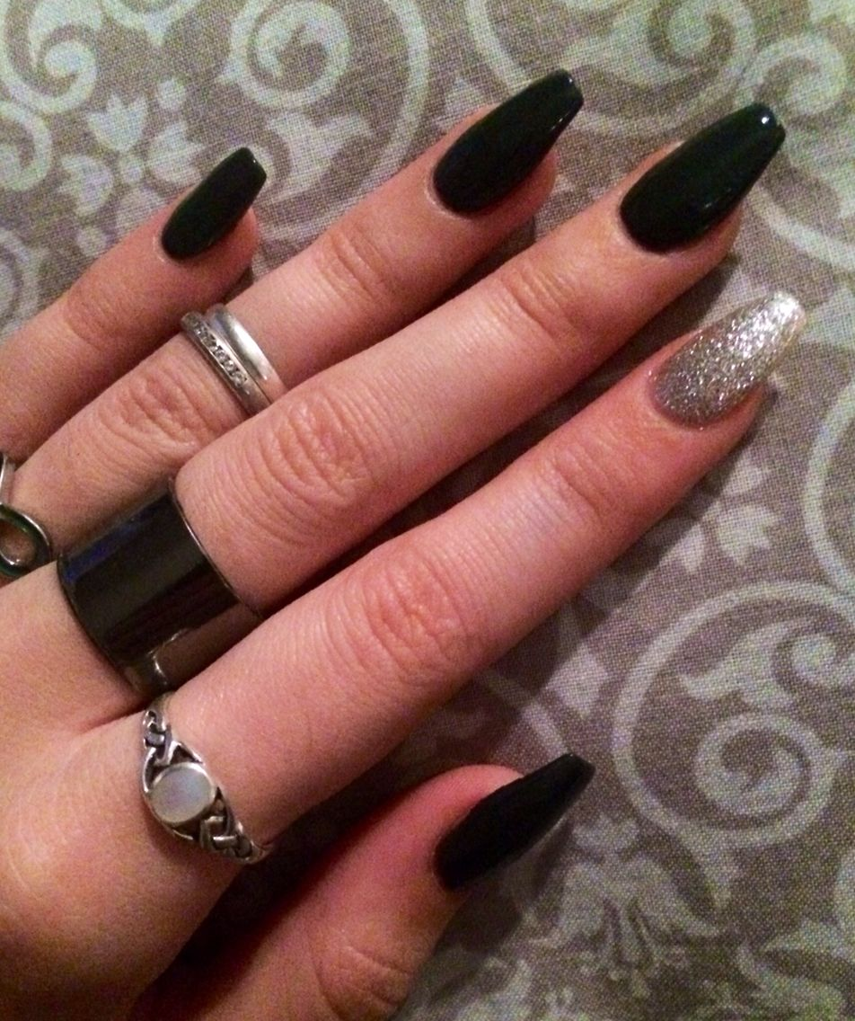 Coffin Shaped Dark Gray Nails Love The Accent Sparkle Nail Too Cute Acrylic Nails Coffin Short Dark Nails Gray Nails