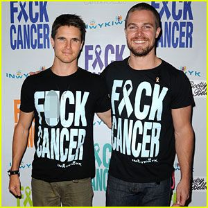Robbie Amell,  Stephen Amell : Just Jared