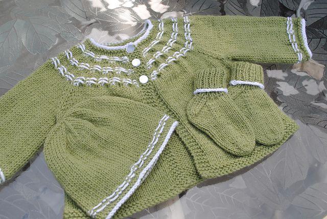 05b5e5628c6b Seamless Yoked Baby Sweater free pattern by Carole Barenys ...