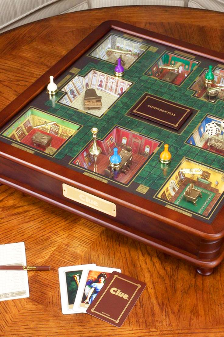 Very Cool LUXURY EDITION CLUE board game with 3D Mansion