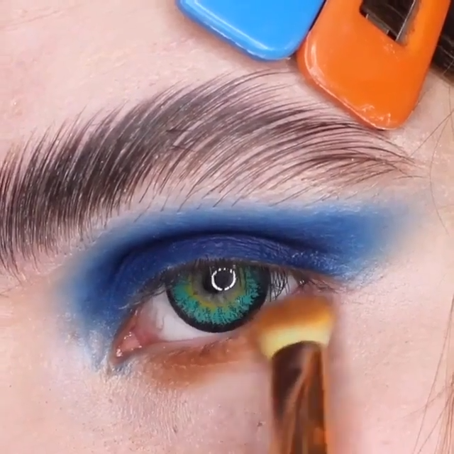 💙Amazing makeup tips! -   beauty Editorial green