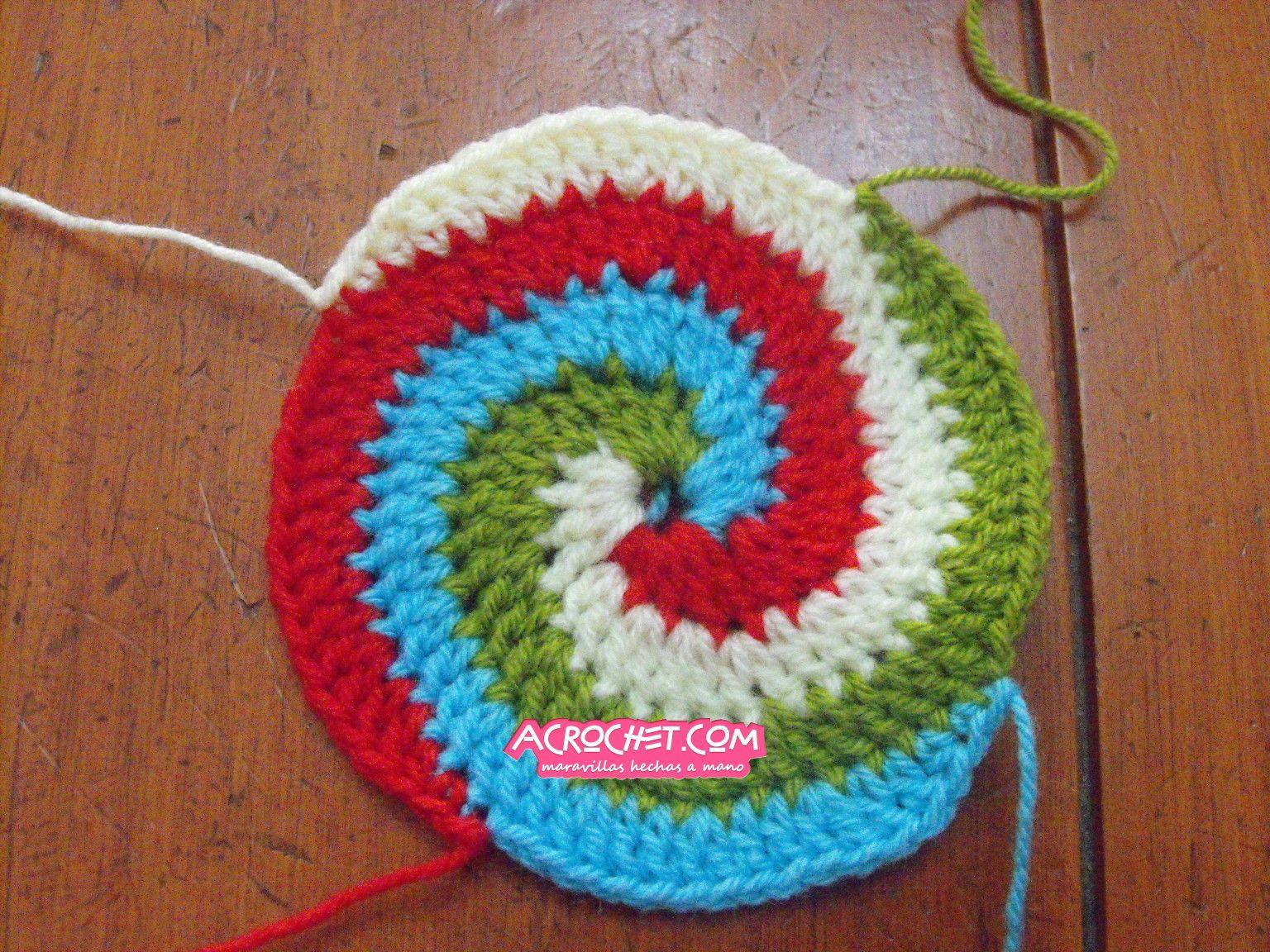 Círculo hecho de cuatro colores (tutorial) | Blog a Crochet ...