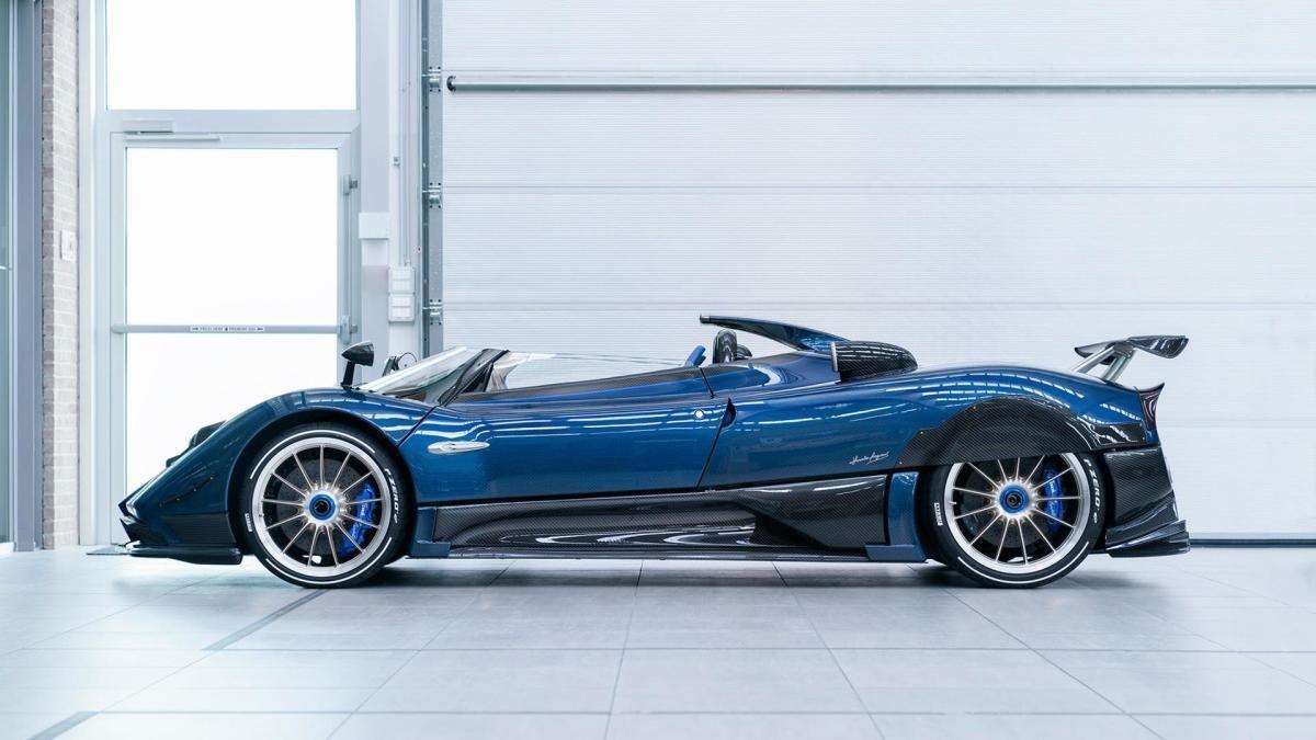 The 17 5 Million Pagani Zonda Hp Barchetta Is Now The World S Most Expensive New Car Pagani Zonda Pagani Zonda Car