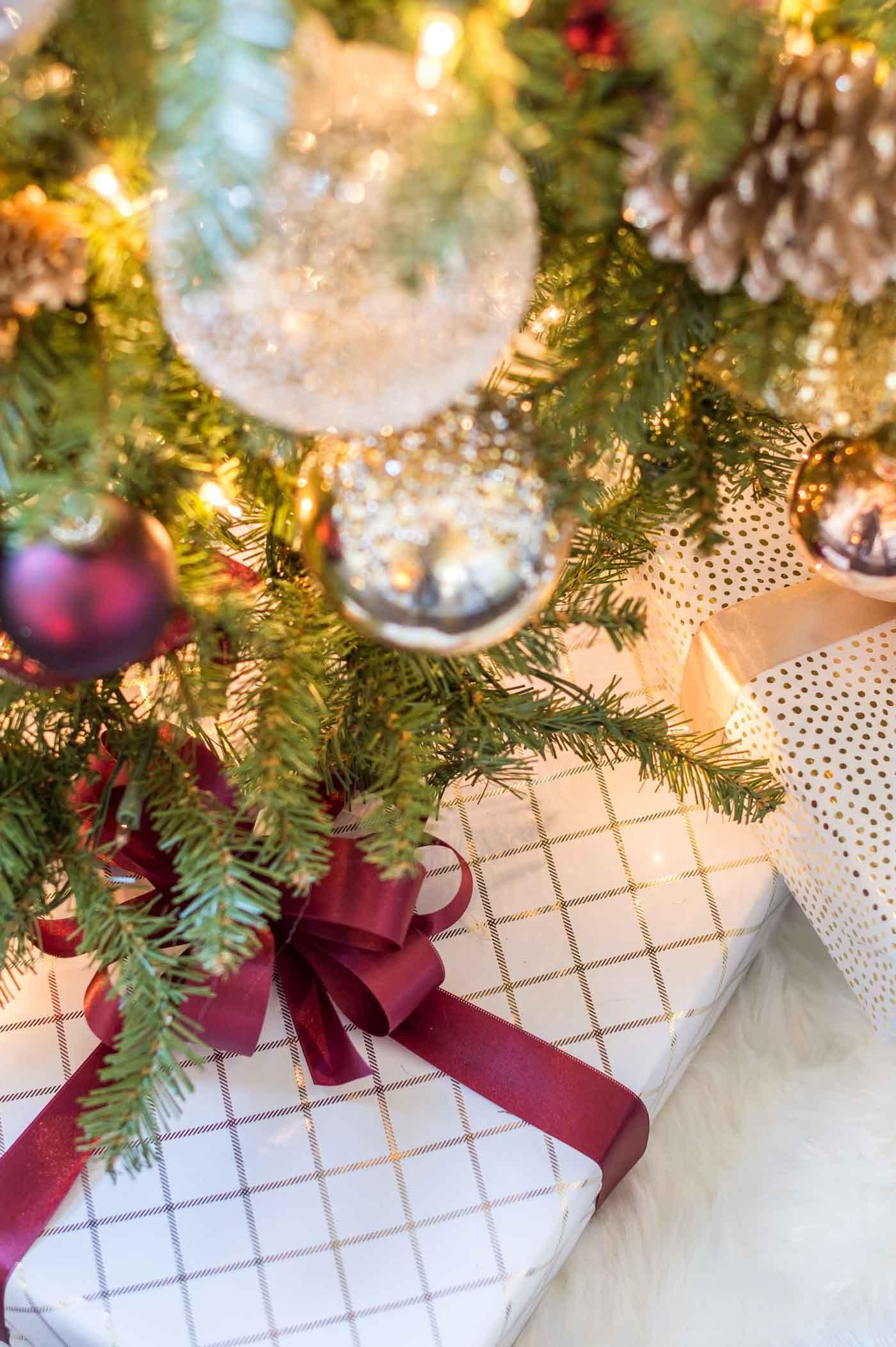 Two Month Holiday Prep Christmas To Do List Kelley Nan Christmas Colour Schemes Silver Christmas Tree Christmas To Do List