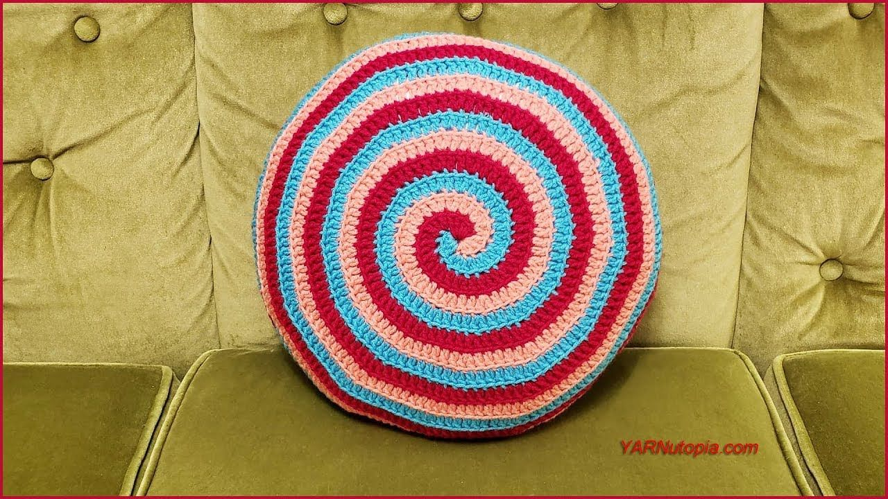 How To Crochet Tutorial Diy Candy Swirl Pillow By Yarnutopia