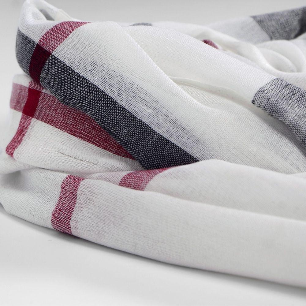 Grand foulard blanc à carreaux noir et rouge   Foulards   écharpes e8689f934b5