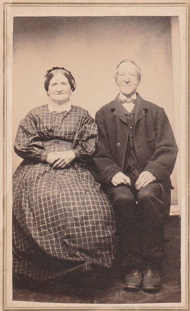 CDV CIVIL WAR FRAMING OLDER COUPLE ID (DAMON) OCT 1867 CUMMINGTON, MASS