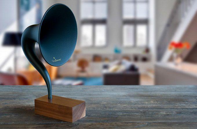 Gramovox Bluetooth Gramophone. Uau!!! Mínimo, estiloso, funcional, uma beleza na estante de casa para escutar Foo Fighters direto do celular.