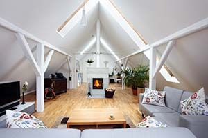 De zolder ombouwen tot een woonruimte is een goed idee om uw totale