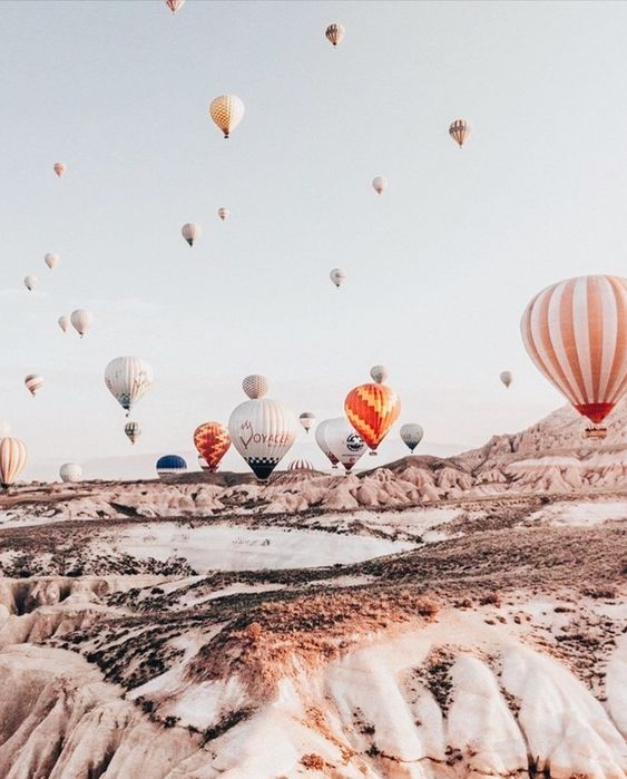 , Hot air balloons #lbloggers #fblchat #fbloggers #bbloggers, Travel Couple, Travel Couple