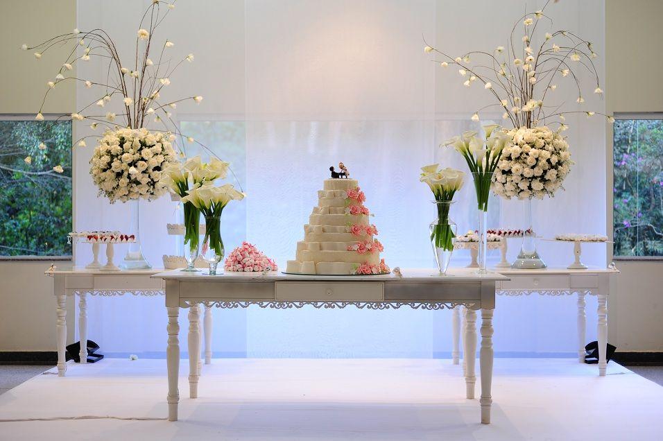 Resultado de imagem para mesa do bolo classica