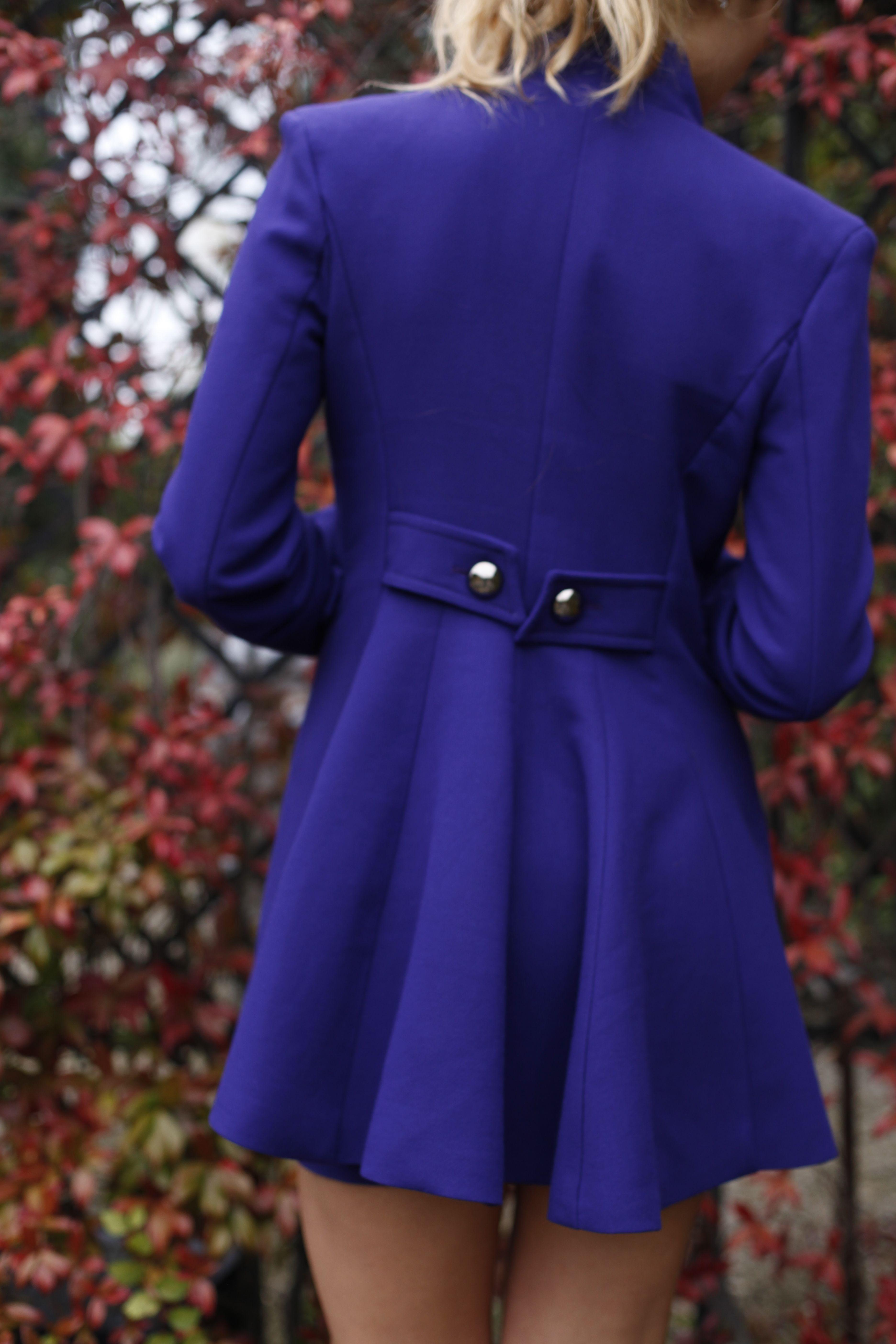 #dettaglio #cappotto #bottoni #viola #freschezza www.cinziarei.com