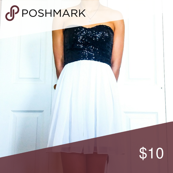 d52355d6d600d Strapless Black White Dress ~Sparkly Black top with a silky white bottom.  ~Not see through ~Semi-Formal ~In good condition B. Smart Dresses Strapless