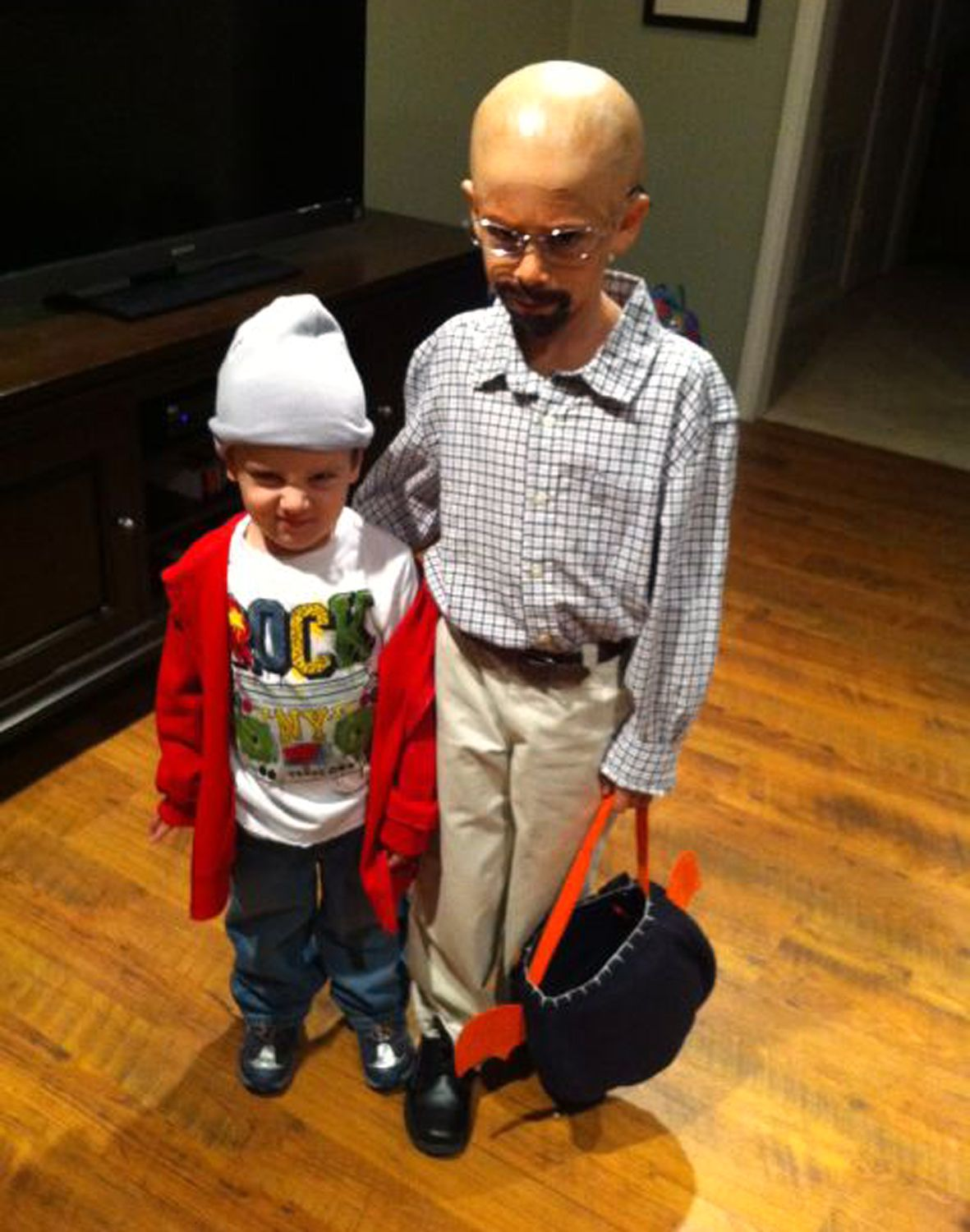 mini 'breaking bad'! dad dreams up tv-inspired halloween costumes
