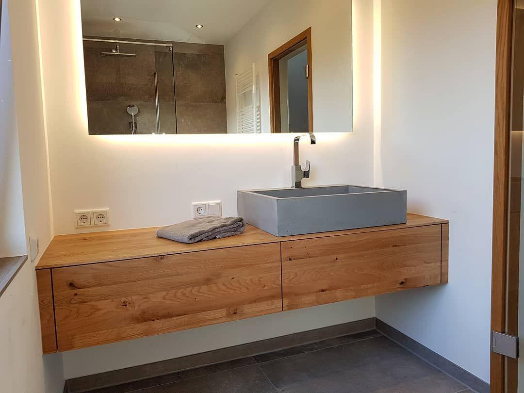 B K Design On Instagram We Love Bathroomfurniture Eiche Waschtisch Mit Betonwaschbecken Designed Betonwaschbecken Badezimmer Waschbecken Waschtisch