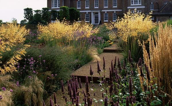 The Daily Telegraph Garden By Christopher Bradley Hole 2013 Landscape Design Garden Design Water Features In The Garden