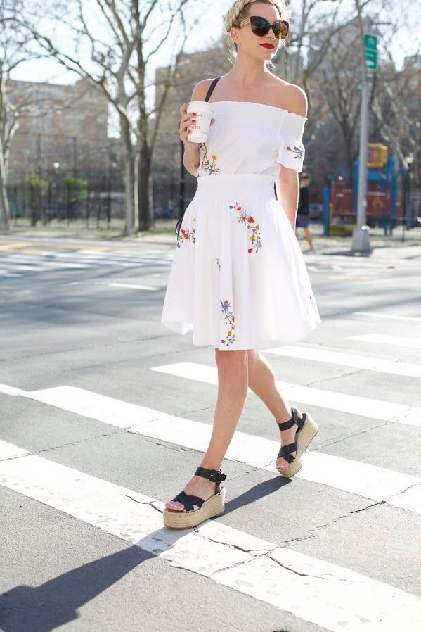 New post on the blog with Tory Burch ... http://tinyurl.com/jo4cw8q #ToryTunic #Spring #Florals #NYC  ♥♥♥