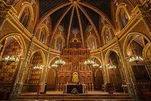 Vista interior da igreja de São Pedro em Teruel, Aragão, Espanha. A igreja foi construída no século XIV em estilo mudéjar, e declarada Patrimônio Mundial em 1986. A decoração é em estilo neomudéjar e realizada entre 1896 e 1902.  (definição 5543×3724)
