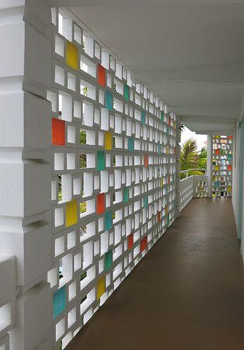 Bay Harbor Continental Screen Wall Bay Harbor Islands Florida Architect Charles Mc Eco House Design Facade Architecture Design Decorative Concrete Blocks