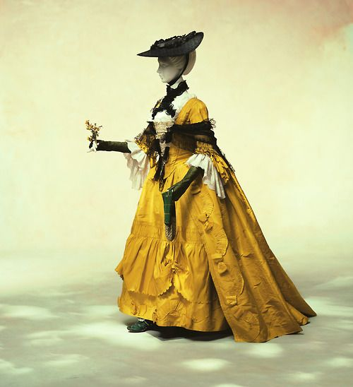 Robe à la Française 1760s The Kyoto Costume Institute