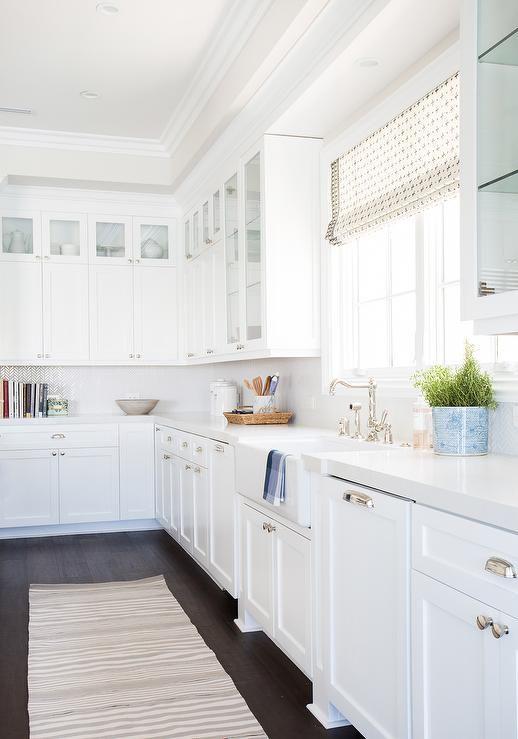 Download Wallpaper White Shaker Kitchen Cabinets With White Quartz Countertops