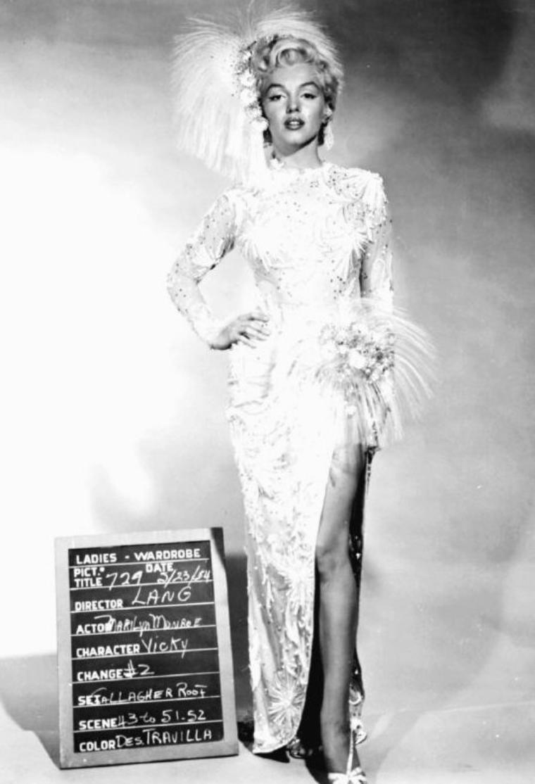 """1954, ESSAIS COSTUMES signés TRAVILLA pour le film """"There's no business like show business"""" (La joyeuse parade) de Walter LANG."""