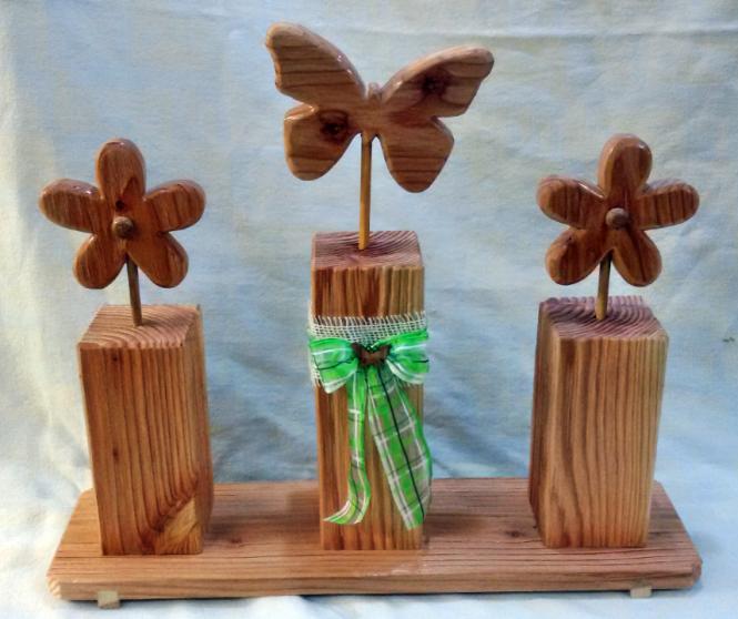 Holz Blume und Schmetterling
