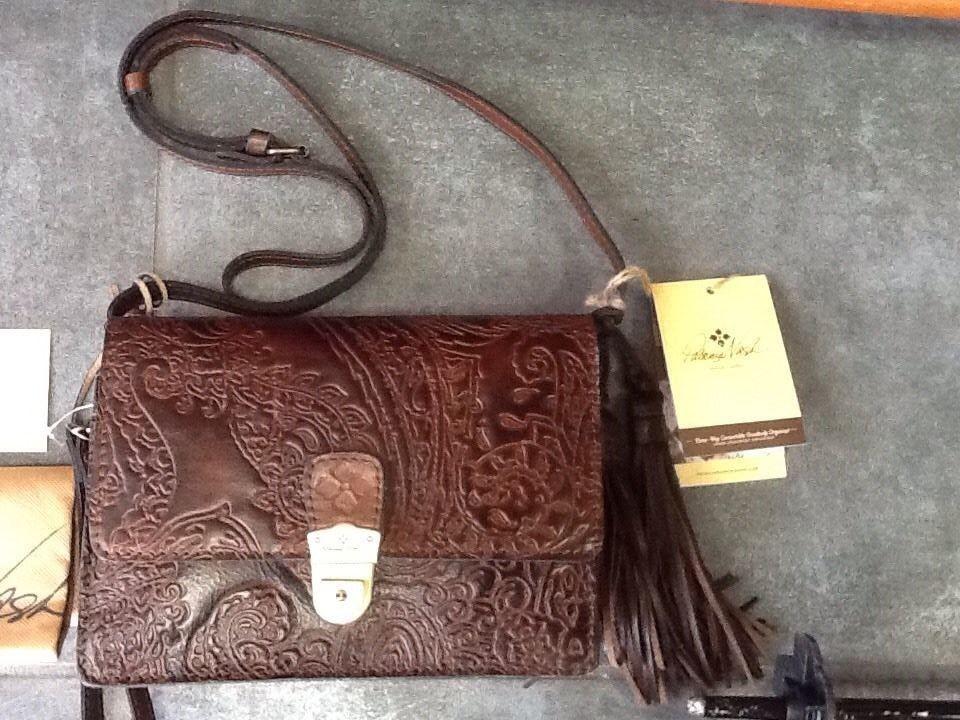 125.67$  Watch here - http://viybp.justgood.pw/vig/item.php?t=68r0e9u17126 - NWT Patricia Nash Burnished tooled Italian leather crossbody organizer Retail $159. 125.67$