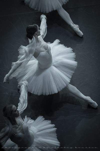 Patiently waiting for Olesya to be promoted. #Ballet_beautie #sur_les_pointes Ballet_beautie, sur les pointes !