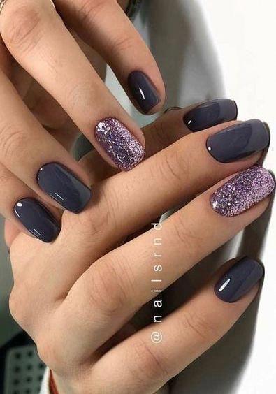 42 Amazing Grey Winter Manicure Ideas Chicbetter Inspiration For Modern Women Gelnails In 2020 Nails Design With Rhinestones Purple Nail Polish Purple Nails