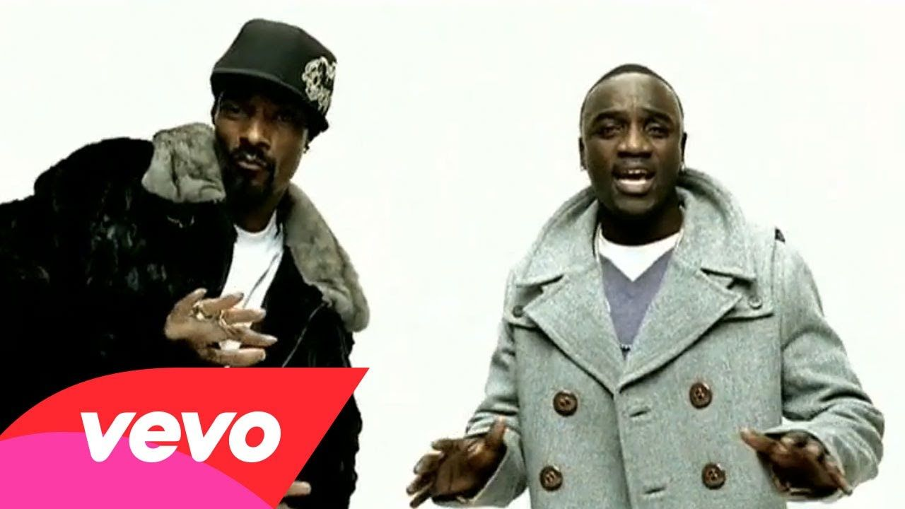 Akon - I Wanna Love You ft  Snoop Dogg Love the moves from