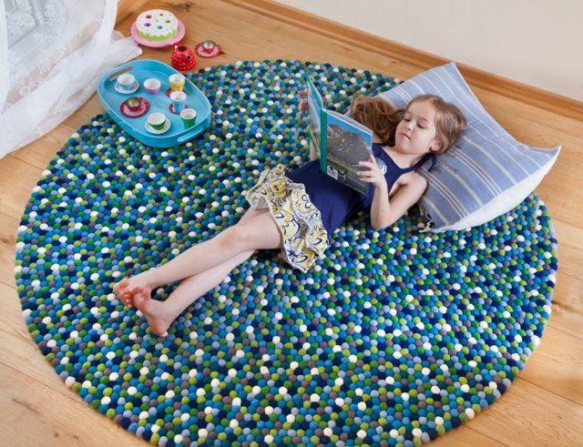 Handgemachter runder Teppich exklusive Note im Haus