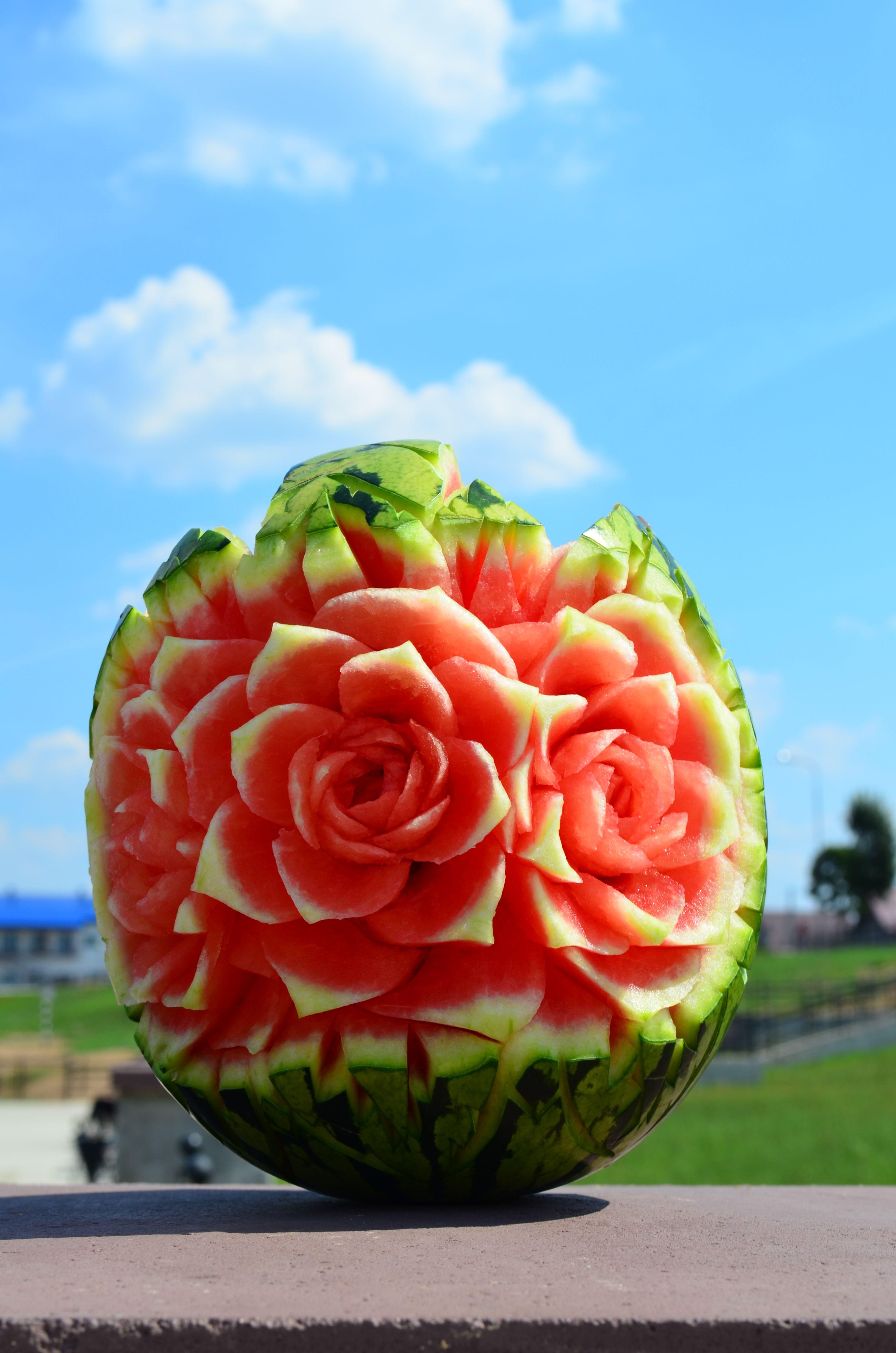 Как сделать из арбуза розу фотографии