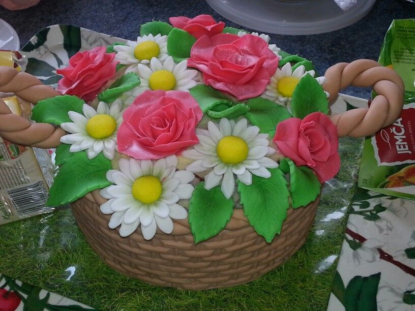 Koš s květinami - 2,3 kg