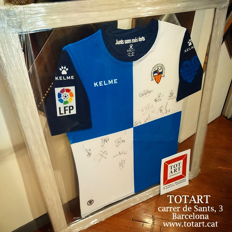 Marco para camiseta enmarcado en doble cristal www.totart.cat | t ...