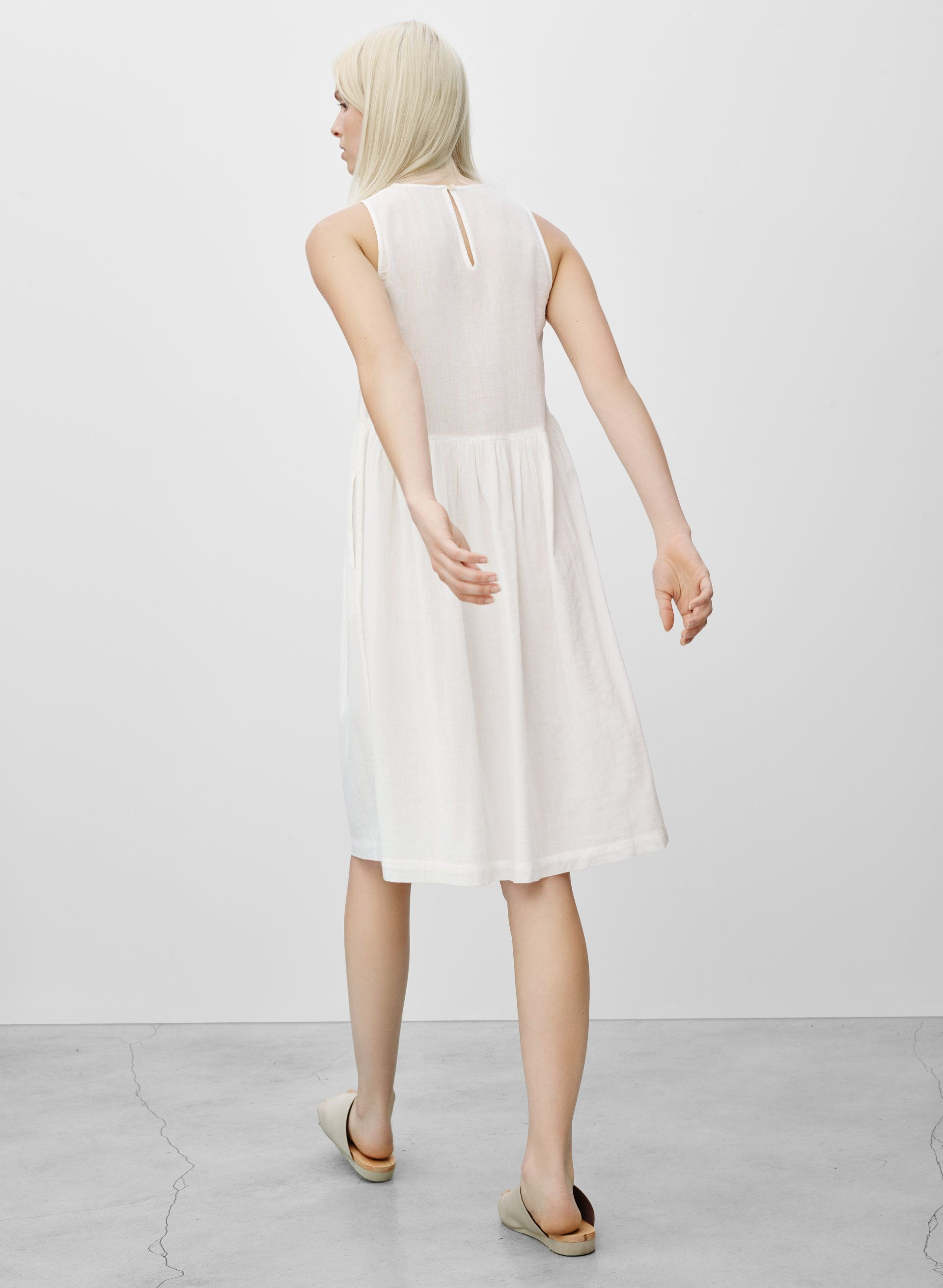 Wilfred Looz Dress Aritzia Dresslatest Dresswedding Guest