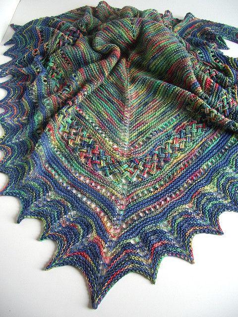 14.3 Shawl with plaited border pattern by Karen Noe | Tücher, Schals ...