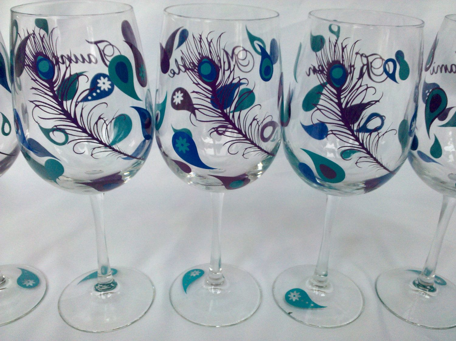 How to decorate wine glasses for bridesmaids - Ooo Want To Make These Peacock Wine Glasses 3 Bridesmaid Wine Glasses For Wedding Party